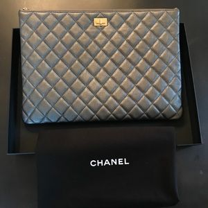 Brand New, never been used Chanel Clutch
